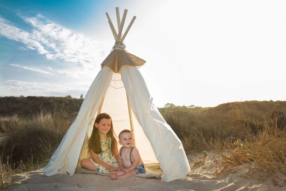 Reportaje infantil en la playa con Marc y Alexia atardecer