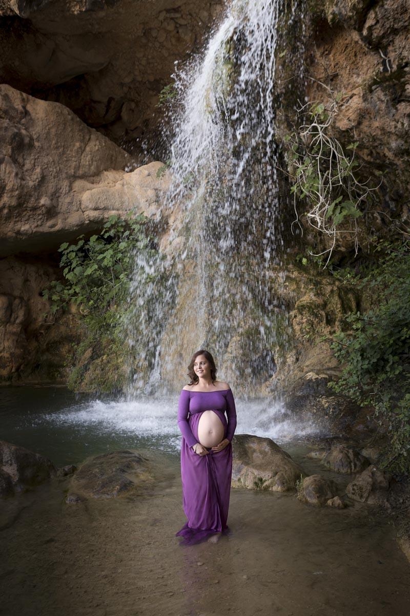 Reportaje de Embarazo en la montaña cascada
