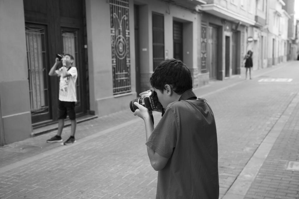 iicursofotografiaparajovenes_callejera-1